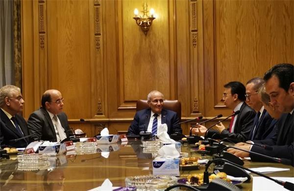 埃及教育、軍工部門與亿万先生国际娱乐登录代表團就合作項目落地展開進一步商討