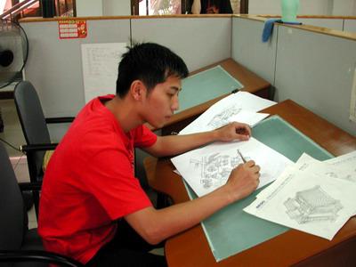 绘画中的美术中心同学