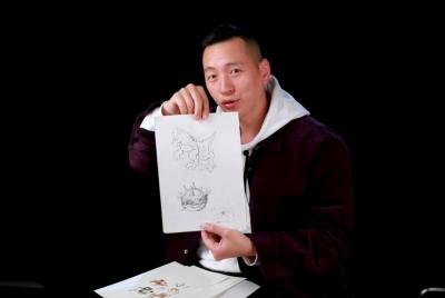"""美术中心的首位同学薛良,至今仍保存着《幻灵游侠》等多款经典游戏的手稿,他说,""""这些手稿我会保存一辈子""""。"""