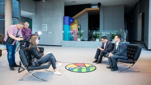 陈长杰接受塞尔维亚国家媒体联合专访