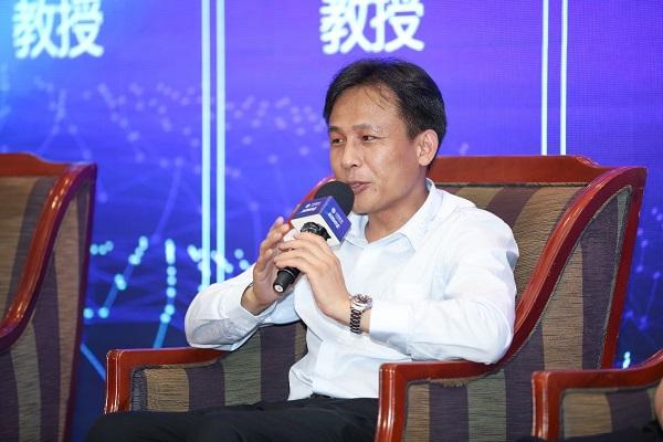 网龙网络公司首席执行官熊立博士发言