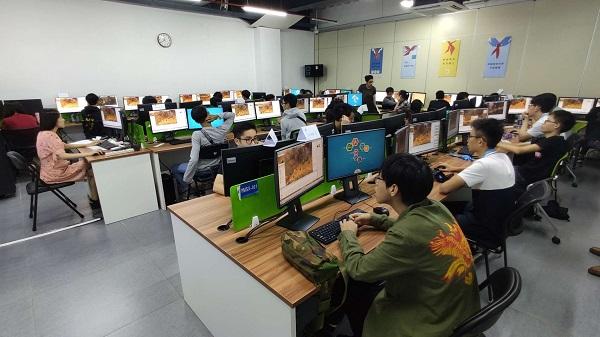 ITE师生学习101创想世界和Edbox的运用