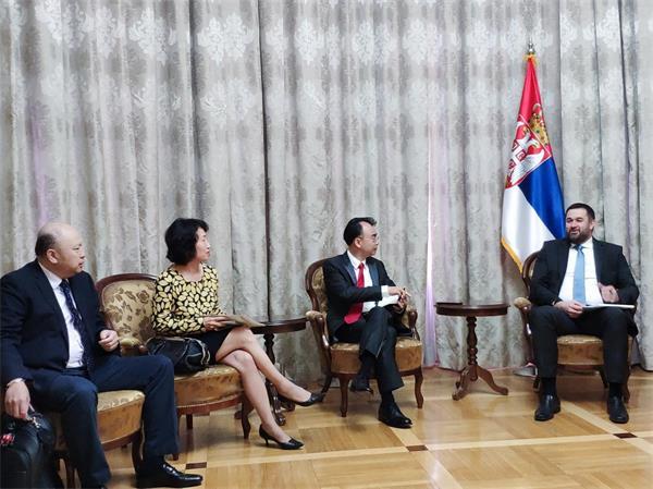 刘德建一行参与了17+1中国—中东欧创新峰会创新宣言的起草会议