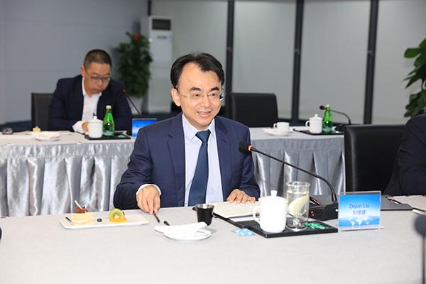 网龙网络公司创始人兼董事长刘德建在会上发言