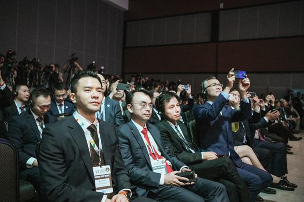 网龙网络公司创始人兼董事长刘德建带领网龙高管一行参加金砖盛会
